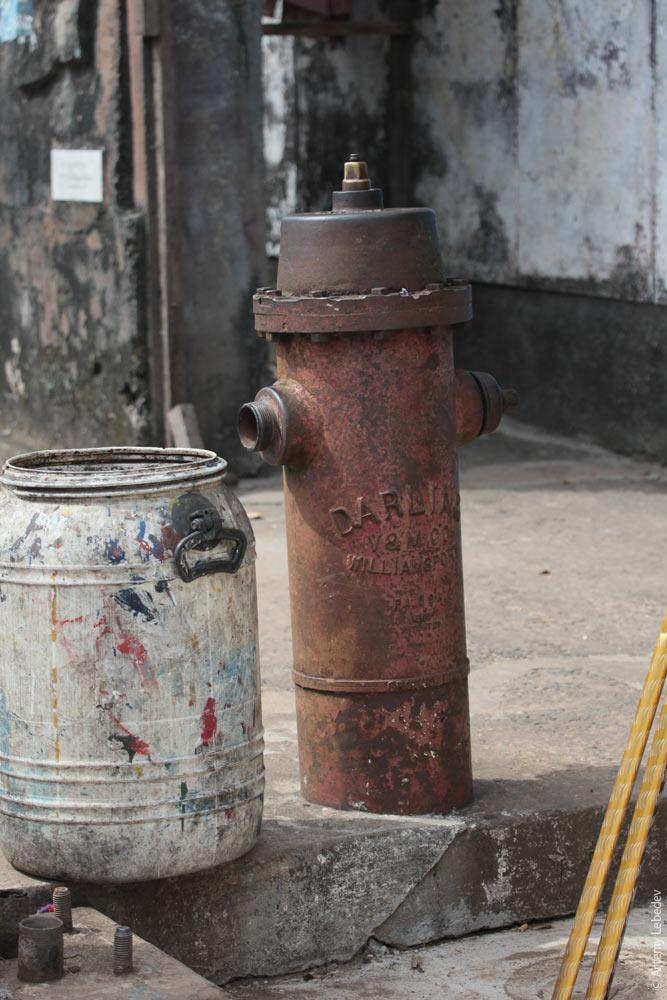 Пожарный гидрант. Либерия