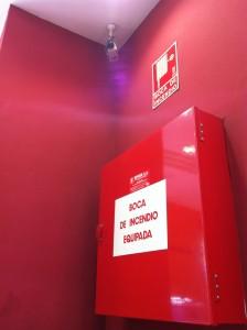 Пожарный кран в Бургер Кинге, Барселона