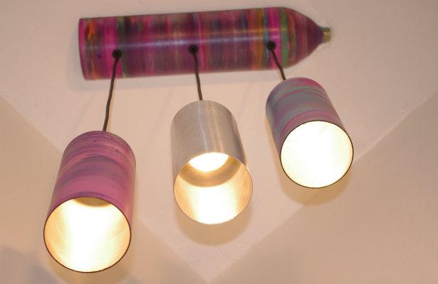 Люстра на три лампы. Дизайнер  Valentino Llegada (США)