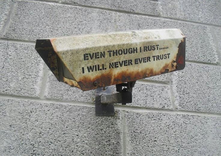 Даже если заржавею - доверять не буду!